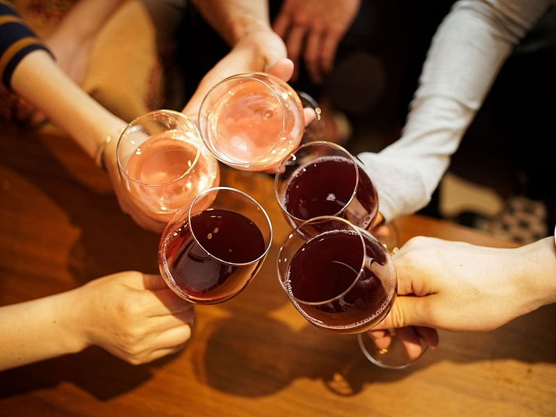 の なる 話 つまみ に 酒